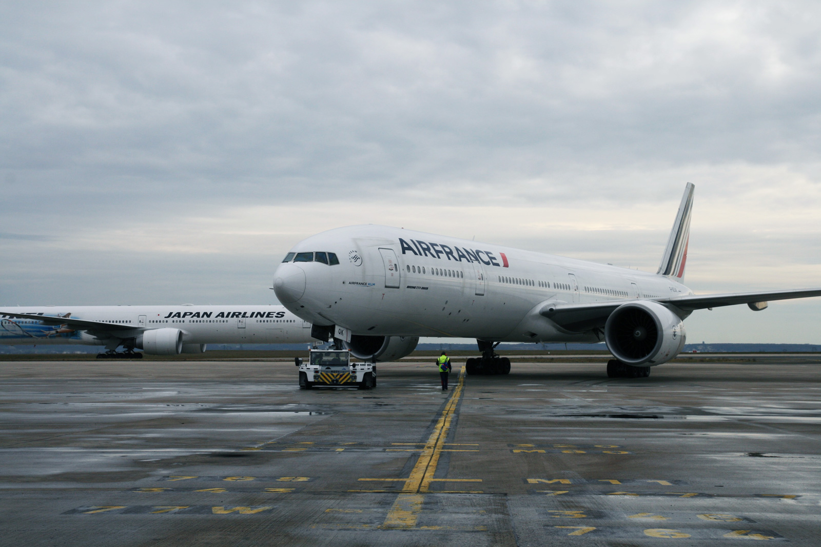 photo de tarmac avec un avoin Air France